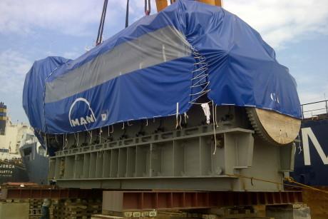 Unloading Engine MAN 18V48/60TS to Barge Belawan Power Plant